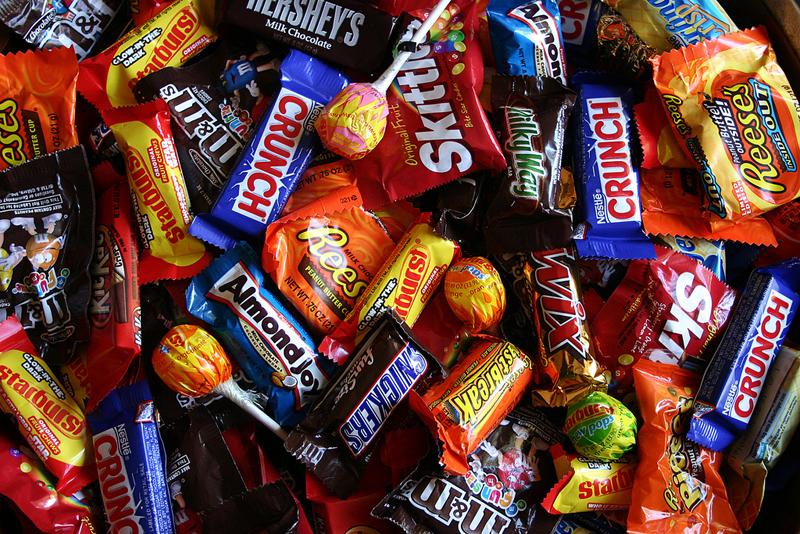halloween-candy-orlando espinosa